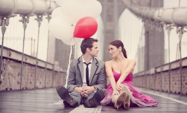 couple and balloon