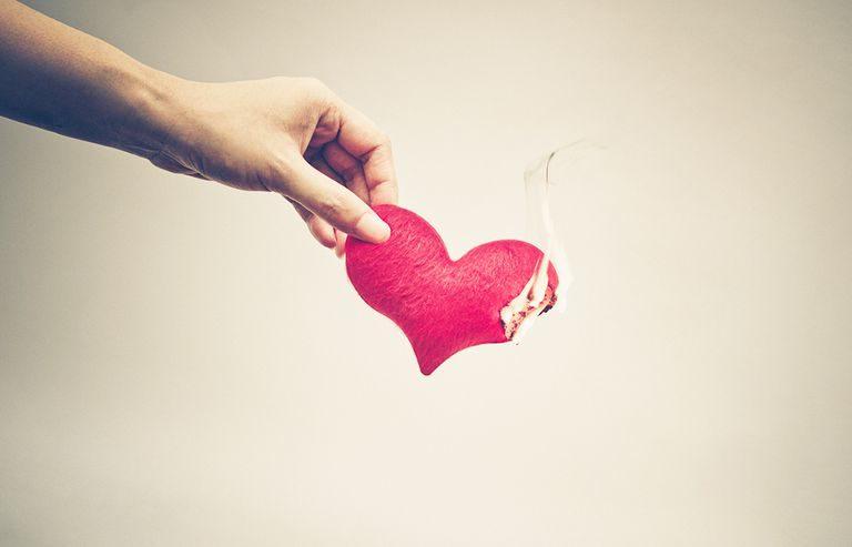 Wie erkennt man eine Online-Dating Betrügerin?
